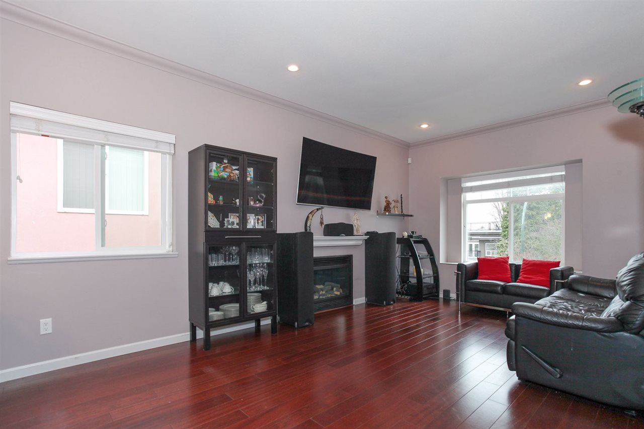 Detached at 3214 MATAPAN CRESCENT, Vancouver East, British Columbia. Image 3
