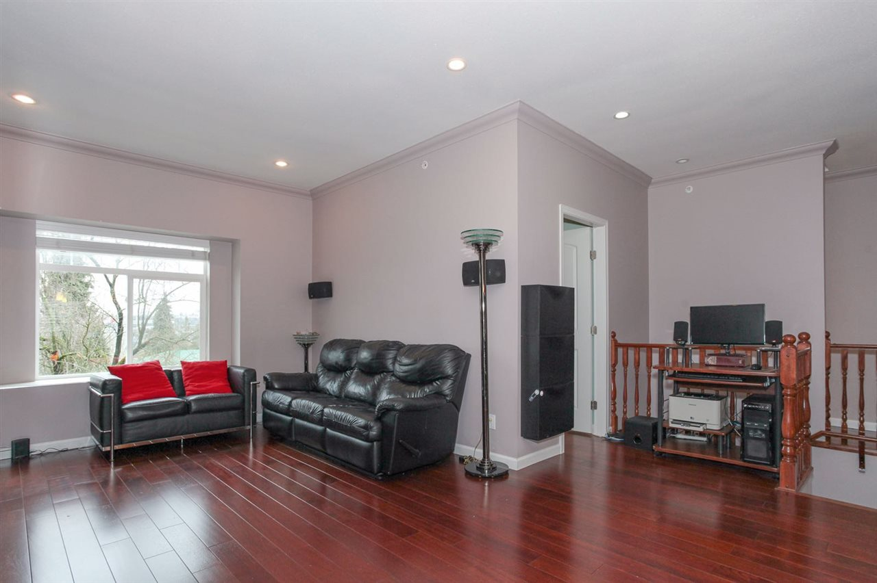 Detached at 3214 MATAPAN CRESCENT, Vancouver East, British Columbia. Image 4