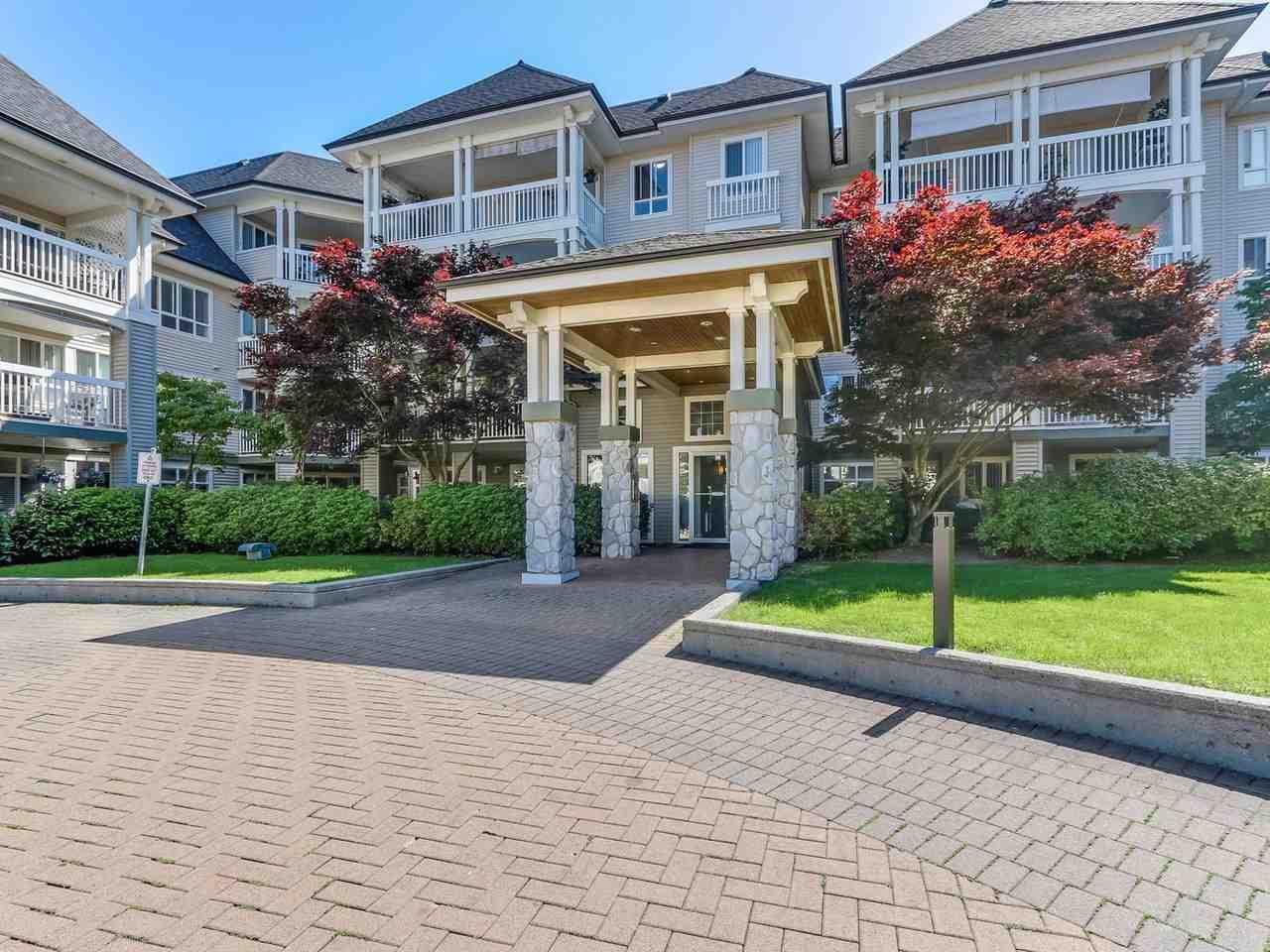 Condo Apartment at 321 22022 49 AVENUE, Unit 321, Langley, British Columbia. Image 3