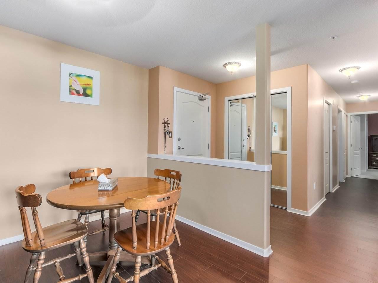 Condo Apartment at 321 22022 49 AVENUE, Unit 321, Langley, British Columbia. Image 4