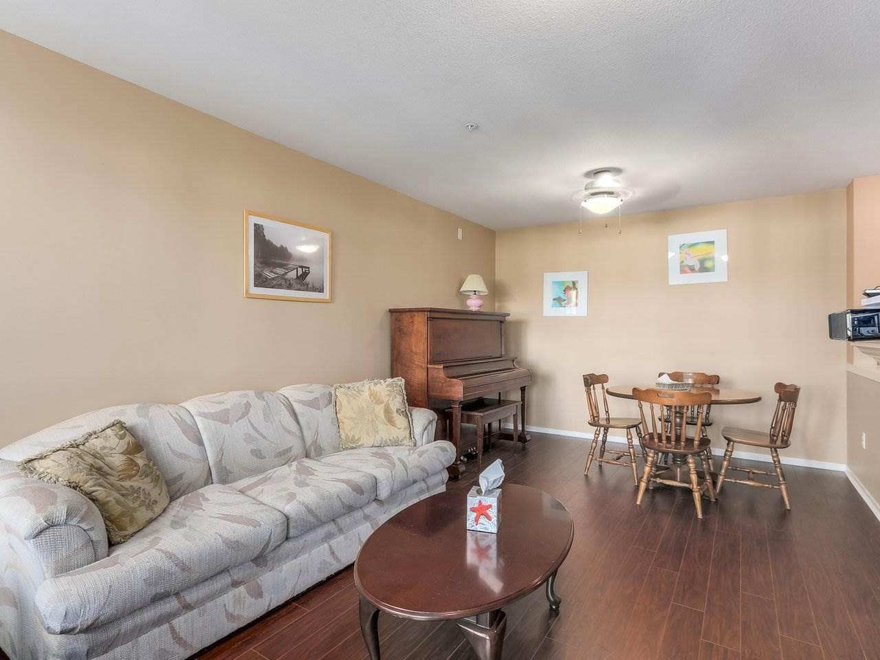 Condo Apartment at 321 22022 49 AVENUE, Unit 321, Langley, British Columbia. Image 9