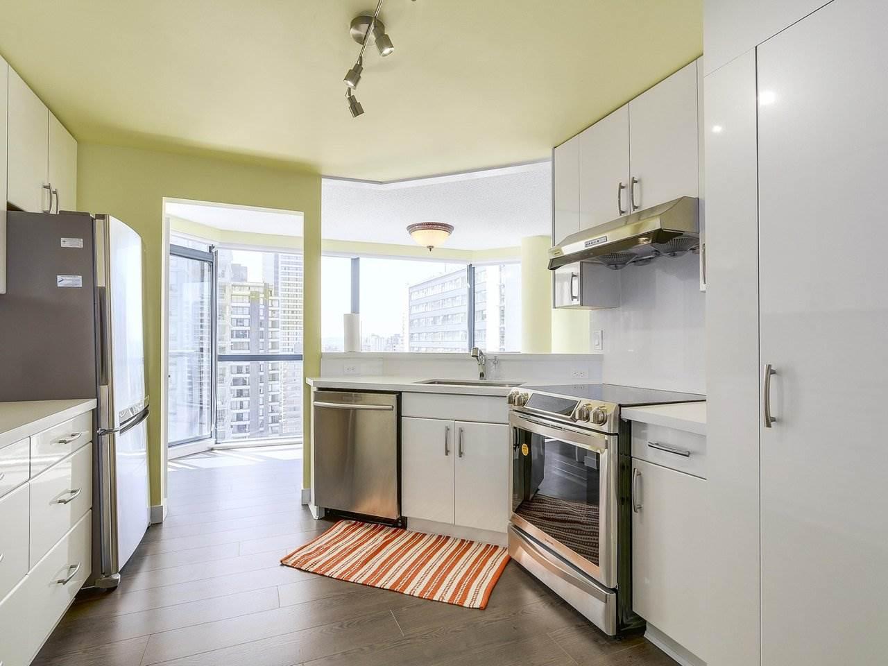 Condo Apartment at 1501 1415 W GEORGIA STREET, Unit 1501, Vancouver West, British Columbia. Image 4