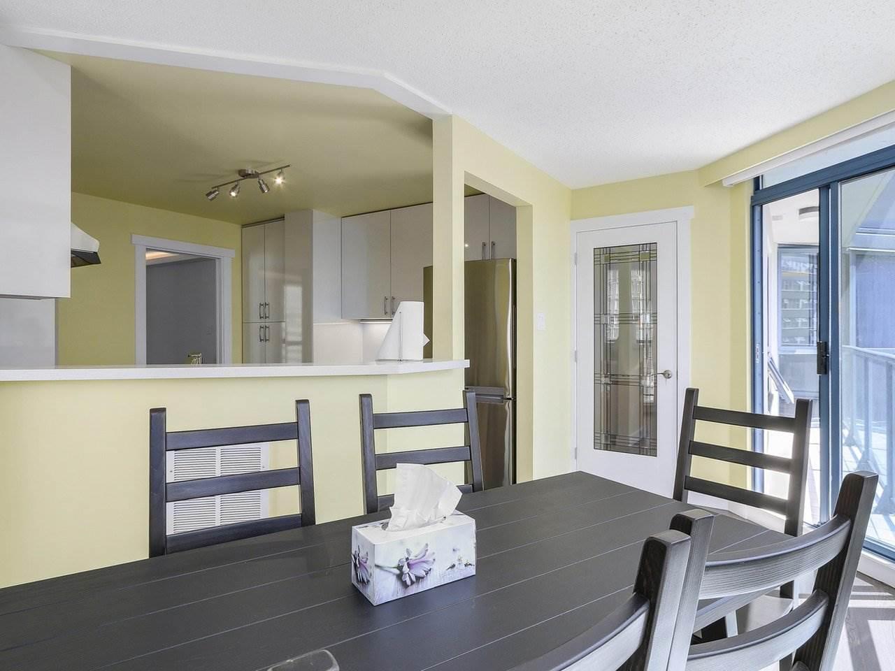 Condo Apartment at 1501 1415 W GEORGIA STREET, Unit 1501, Vancouver West, British Columbia. Image 9