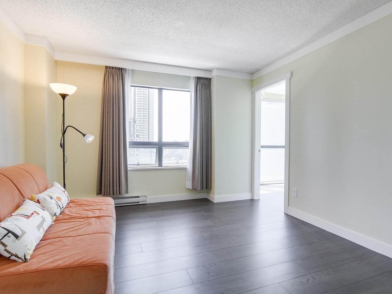 Condo Apartment at 1501 1415 W GEORGIA STREET, Unit 1501, Vancouver West, British Columbia. Image 10