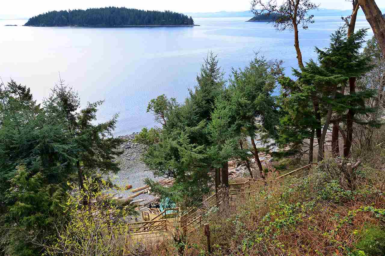 Detached at 6259 SUNSHINE COAST HWY HIGHWAY, Sunshine Coast, British Columbia. Image 11