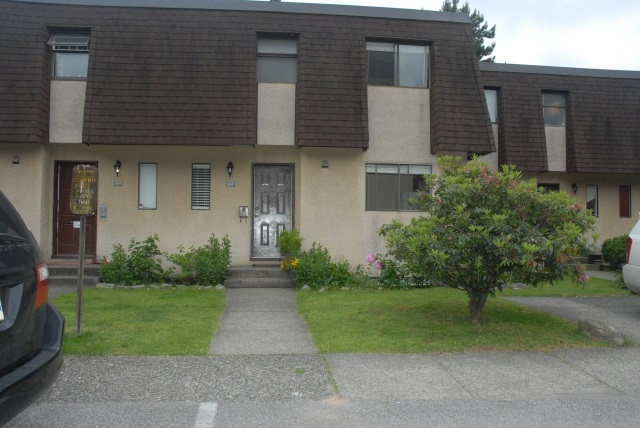 Townhouse at 897 OLD LILLOOET ROAD, North Vancouver, British Columbia. Image 1