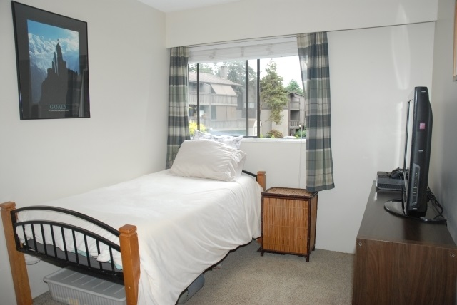 Townhouse at 897 OLD LILLOOET ROAD, North Vancouver, British Columbia. Image 3