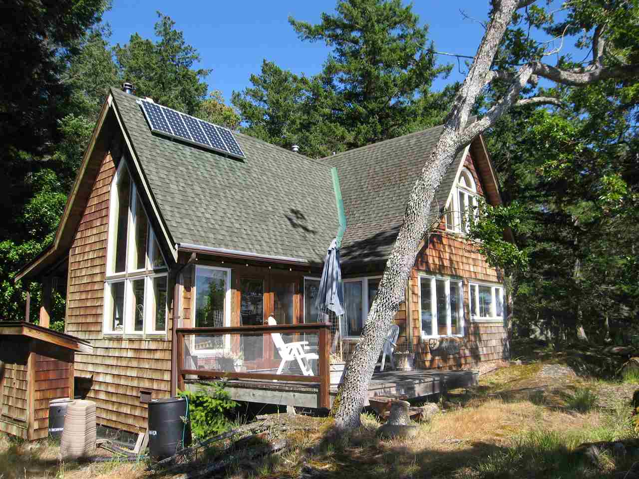 Detached at 146 PHILLIMORE POINT ROAD, Islands-Van. & Gulf, British Columbia. Image 1