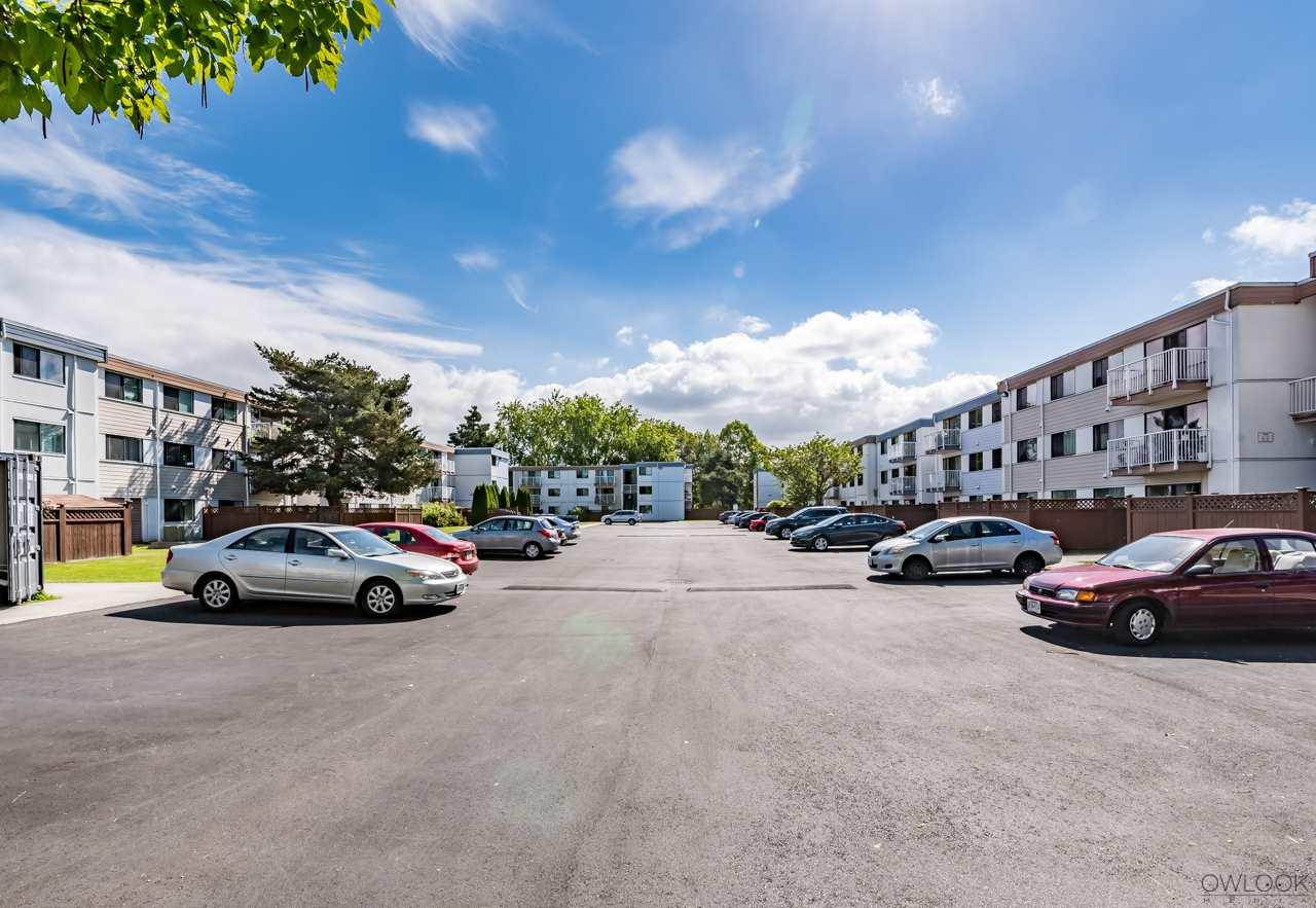 Condo Apartment at 202 7240 LINDSAY ROAD, Unit 202, Richmond, British Columbia. Image 2