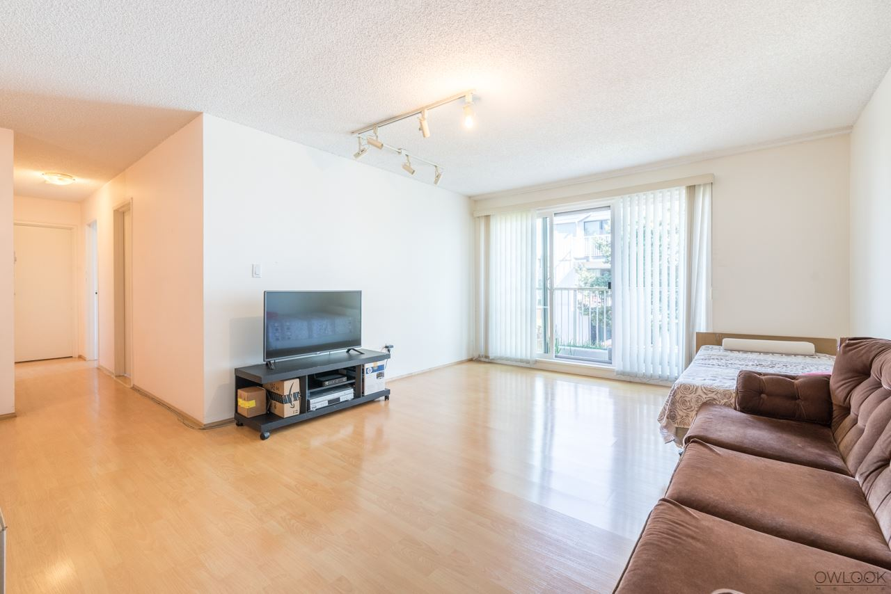 Condo Apartment at 202 7240 LINDSAY ROAD, Unit 202, Richmond, British Columbia. Image 5