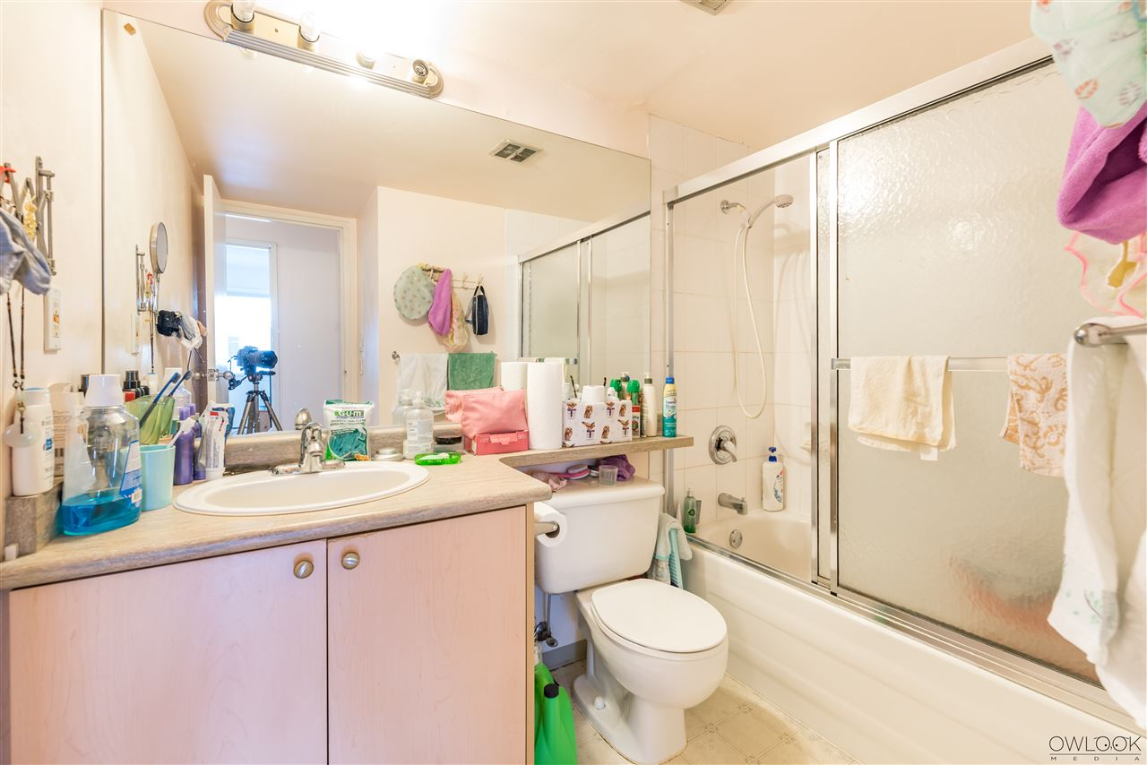 Condo Apartment at 202 7240 LINDSAY ROAD, Unit 202, Richmond, British Columbia. Image 14
