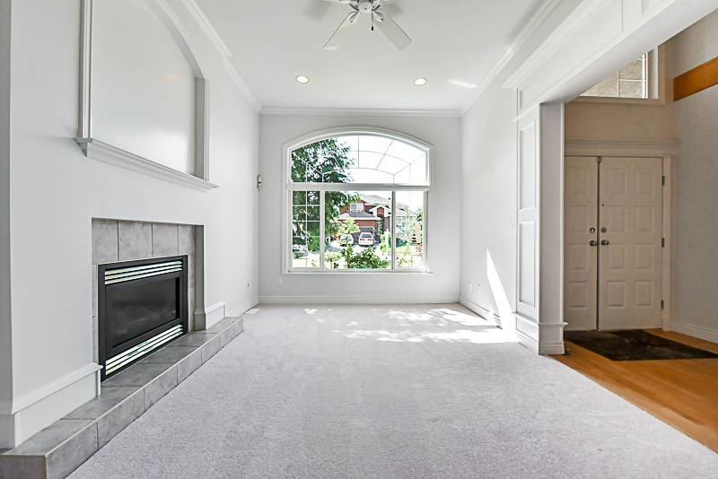 Detached at 7728 147A STREET, Surrey, British Columbia. Image 2