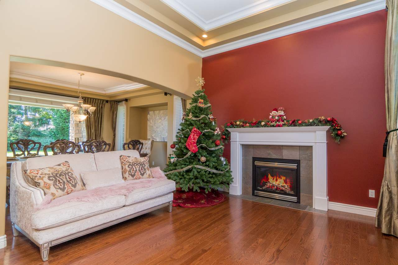 Detached at 15998 36A AVENUE, South Surrey White Rock, British Columbia. Image 3