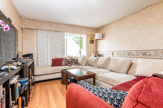 Condo Apartment at 228 32850 GEORGE FERGUSON WAY, Unit 228, Abbotsford, British Columbia. Image 2
