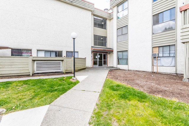 Condo Apartment at 228 32850 GEORGE FERGUSON WAY, Unit 228, Abbotsford, British Columbia. Image 14