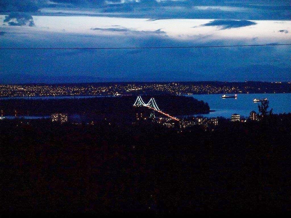 Detached at 580 ALPINE COURT, North Vancouver, British Columbia. Image 17