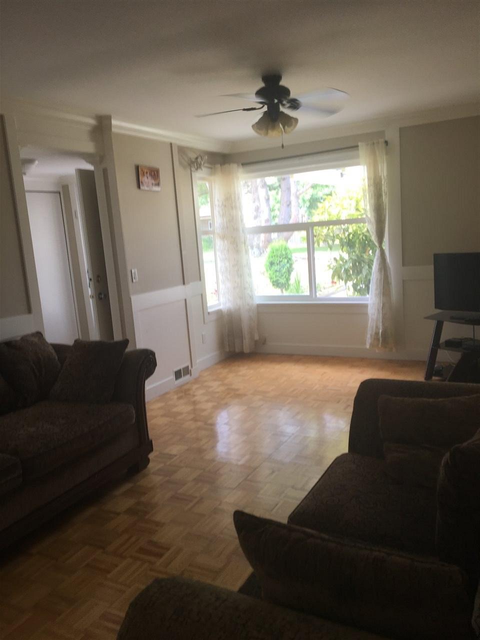 Half-duplex at 13462 69 AVENUE, Surrey, British Columbia. Image 2