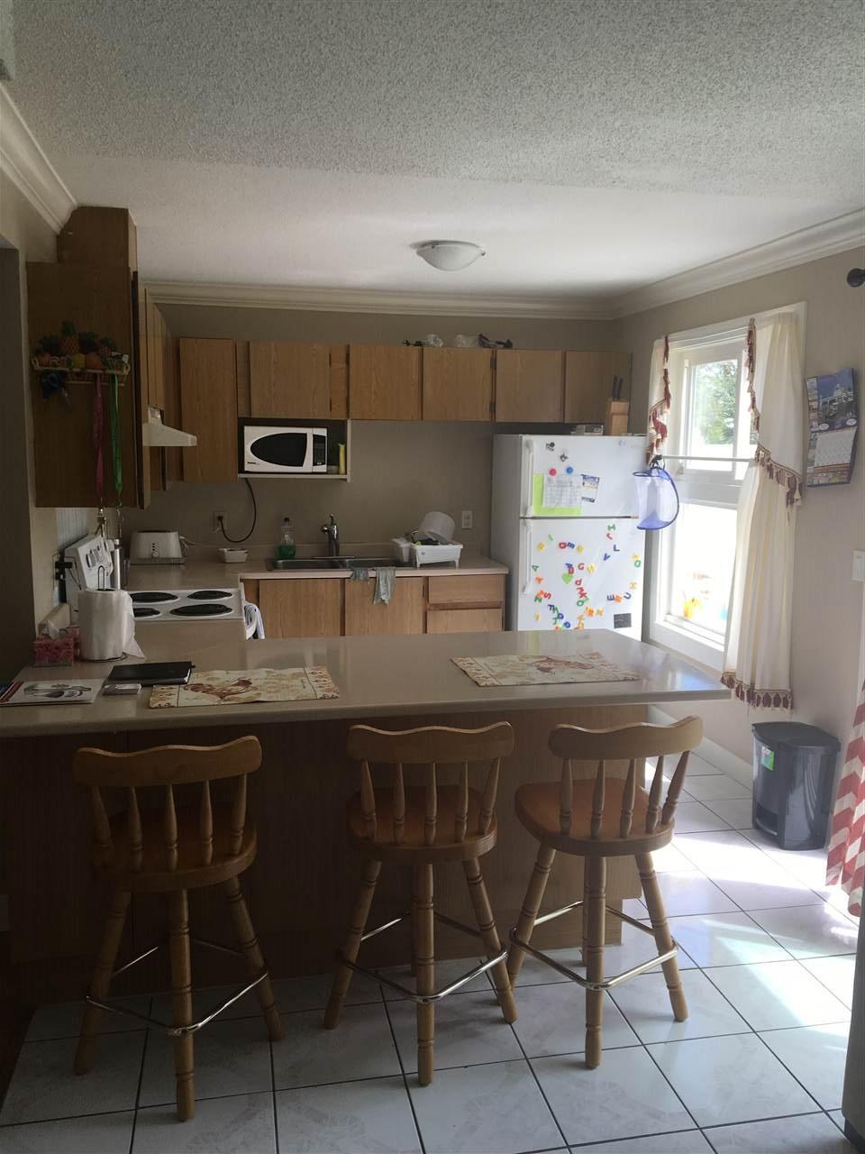 Half-duplex at 13462 69 AVENUE, Surrey, British Columbia. Image 4