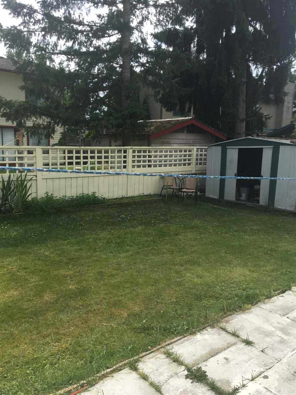 Half-duplex at 13462 69 AVENUE, Surrey, British Columbia. Image 13