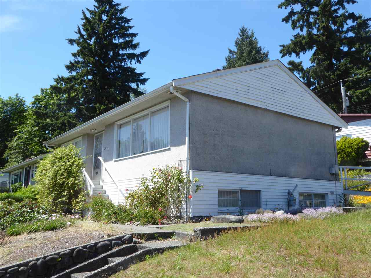 Detached at 5091 PATRICK STREET, Burnaby South, British Columbia. Image 3