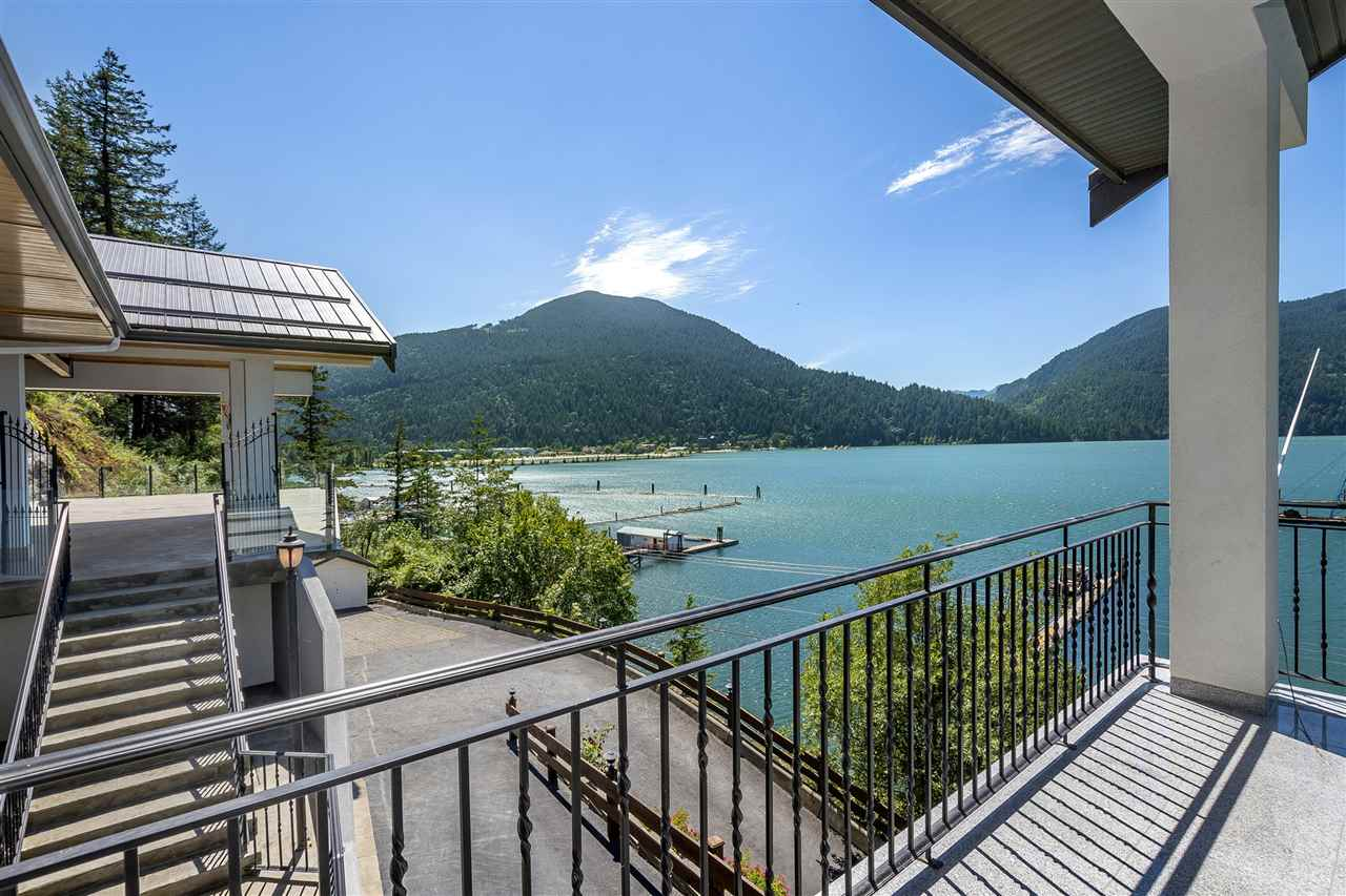 Detached at 5616 ROCKWELL DRIVE, Harrison Hot Springs, British Columbia. Image 1