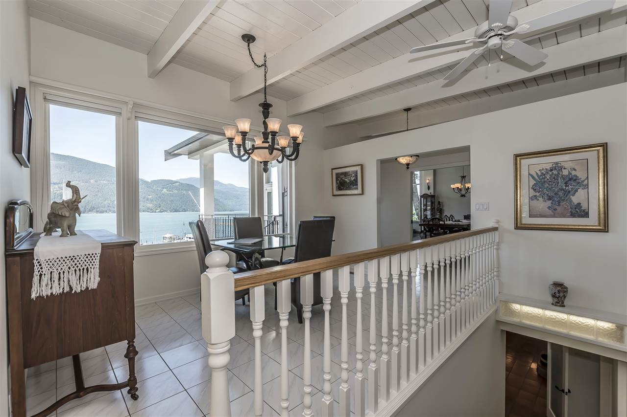 Detached at 5616 ROCKWELL DRIVE, Harrison Hot Springs, British Columbia. Image 6