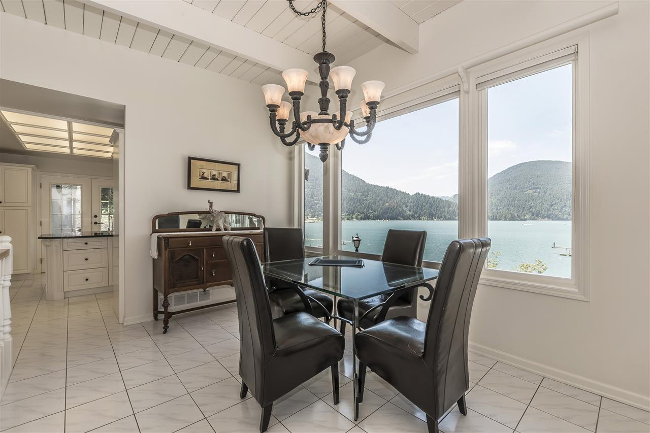 Detached at 5616 ROCKWELL DRIVE, Harrison Hot Springs, British Columbia. Image 7