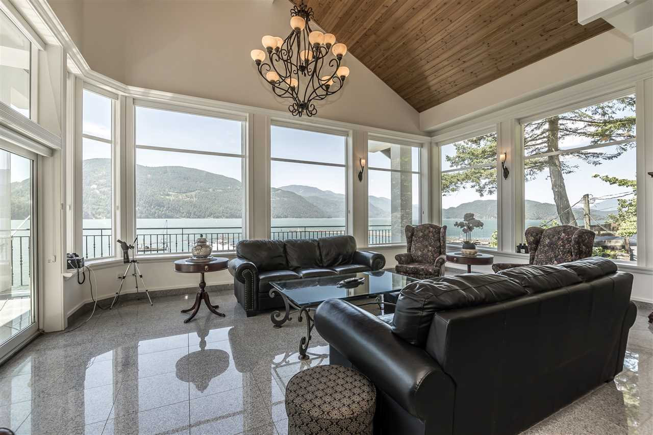 Detached at 5616 ROCKWELL DRIVE, Harrison Hot Springs, British Columbia. Image 8