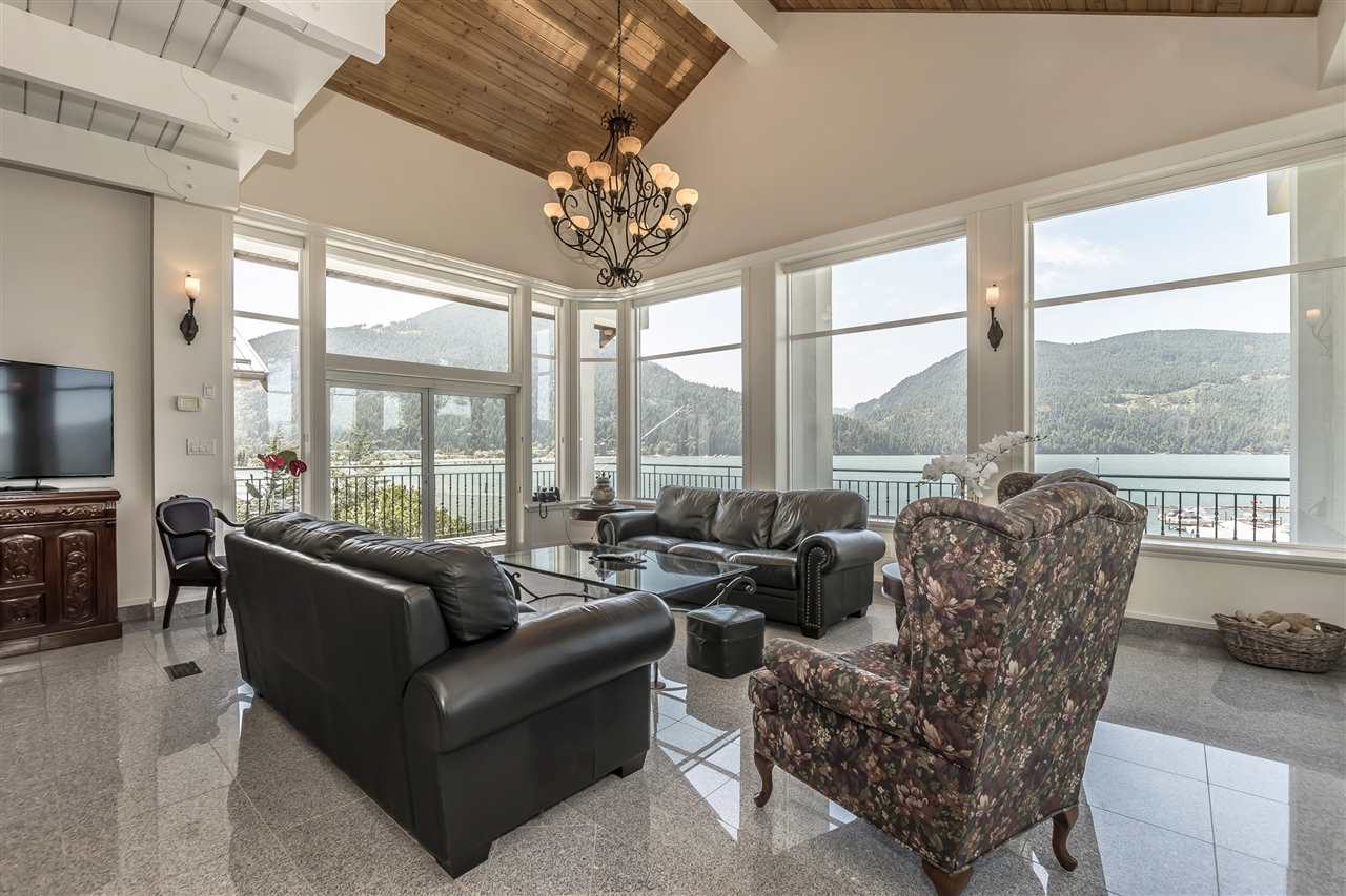 Detached at 5616 ROCKWELL DRIVE, Harrison Hot Springs, British Columbia. Image 11