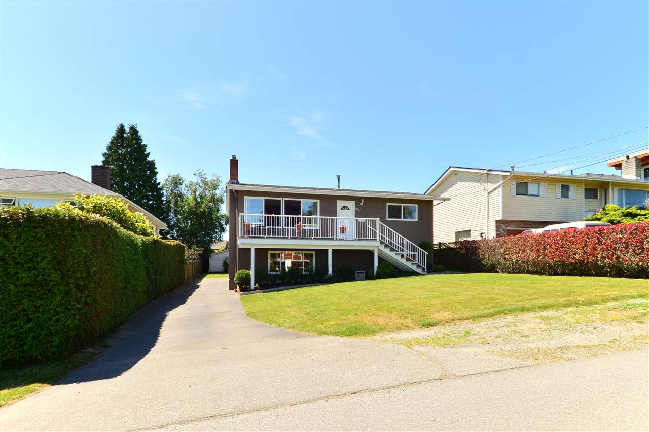 Detached at 1071 PARKER STREET, South Surrey White Rock, British Columbia. Image 5