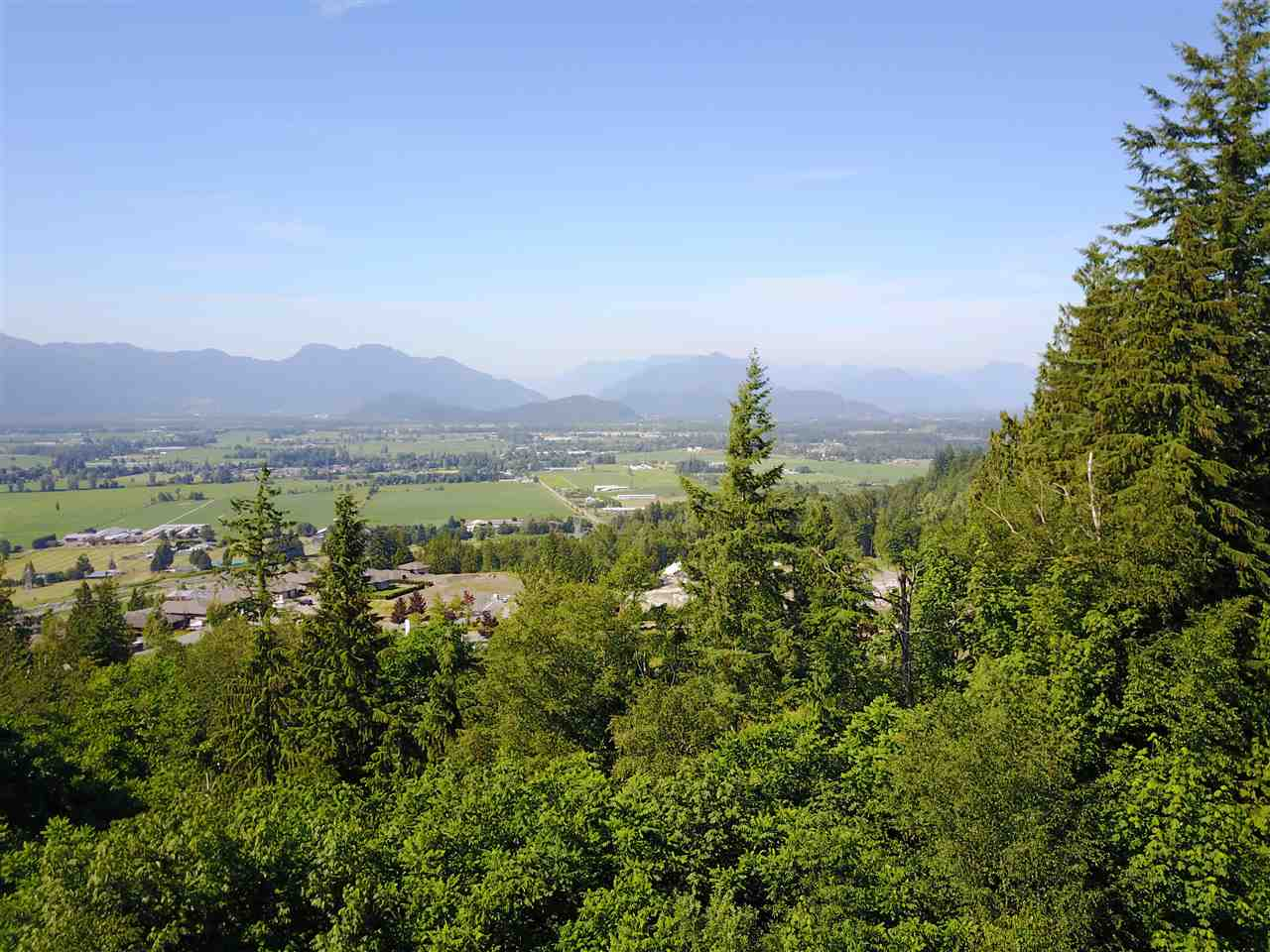 Detached at 8136 NIXON ROAD, Chilliwack, British Columbia. Image 11