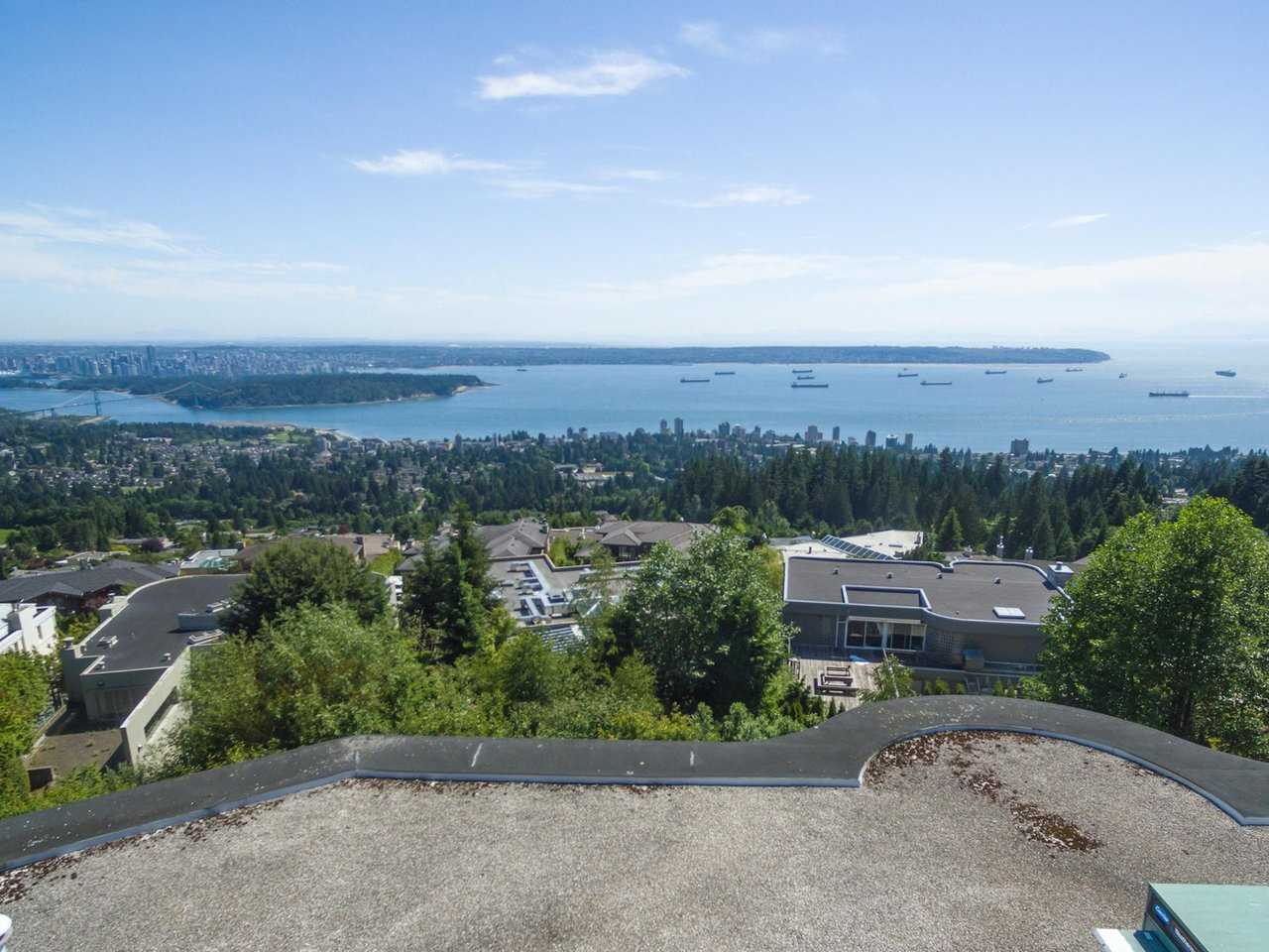 Detached at 1488 CHARTWELL DRIVE, West Vancouver, British Columbia. Image 4