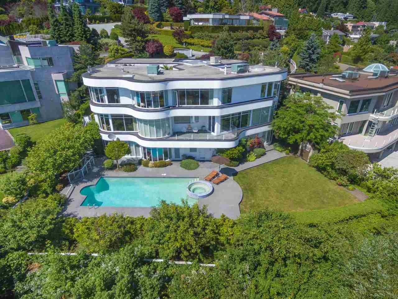 Detached at 1488 CHARTWELL DRIVE, West Vancouver, British Columbia. Image 6