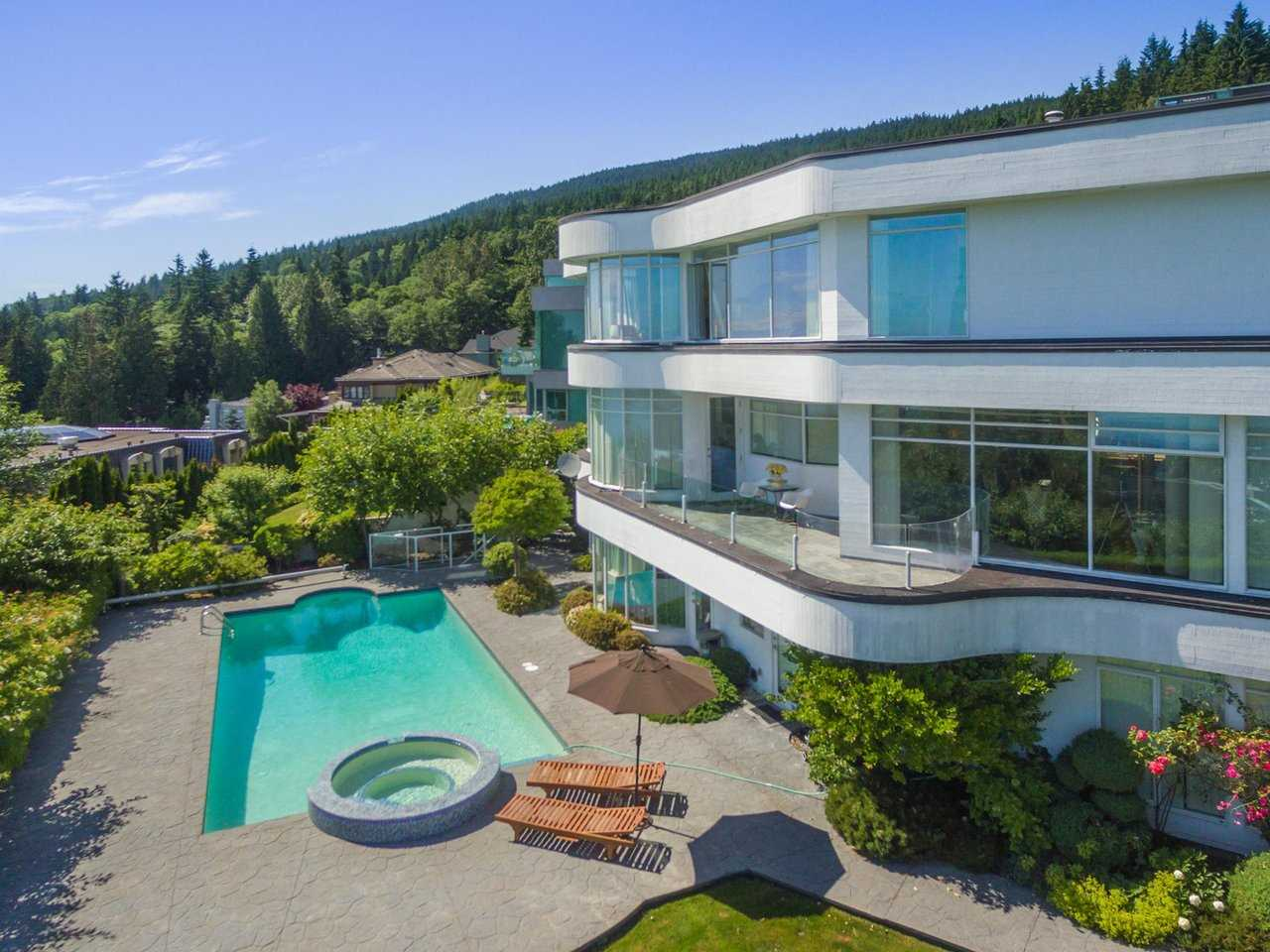 Detached at 1488 CHARTWELL DRIVE, West Vancouver, British Columbia. Image 7