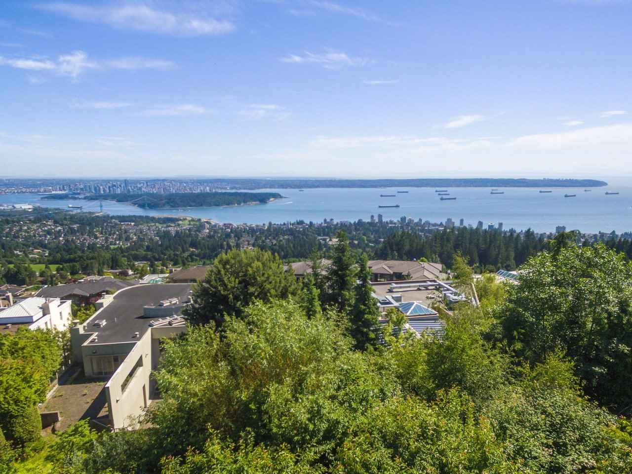 Detached at 1488 CHARTWELL DRIVE, West Vancouver, British Columbia. Image 9