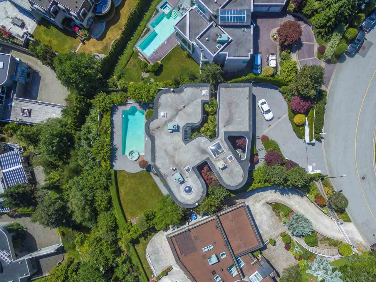 Detached at 1488 CHARTWELL DRIVE, West Vancouver, British Columbia. Image 10