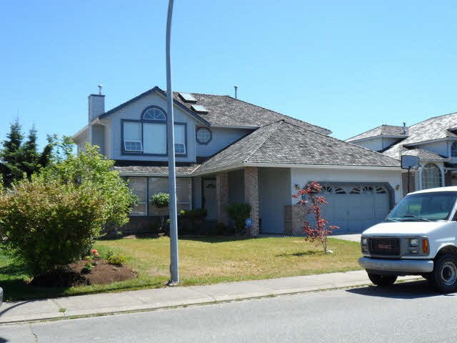 Detached at 3350 NAKUSP DRIVE, Abbotsford, British Columbia. Image 1