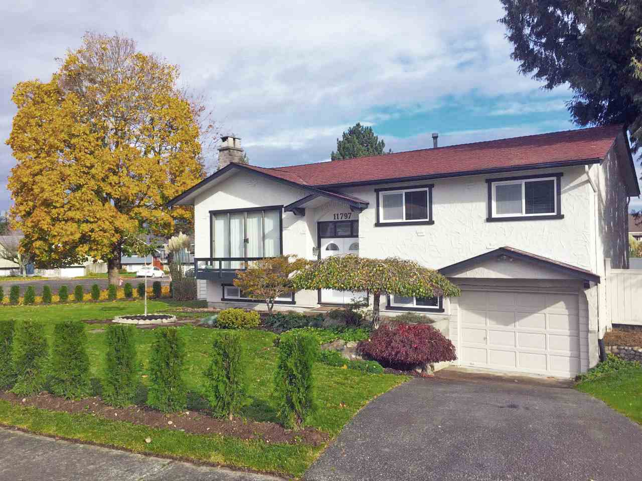 Detached at 11797 S COWLEY DRIVE, N. Delta, British Columbia. Image 9