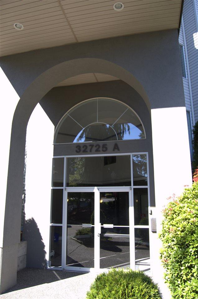 Condo Apartment at 311 32725 GEORGE FERGUSON WAY, Unit 311, Abbotsford, British Columbia. Image 2