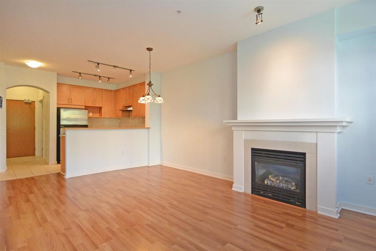 Condo Apartment at 104 4883 MACLURE MEWS, Unit 104, Vancouver West, British Columbia. Image 6