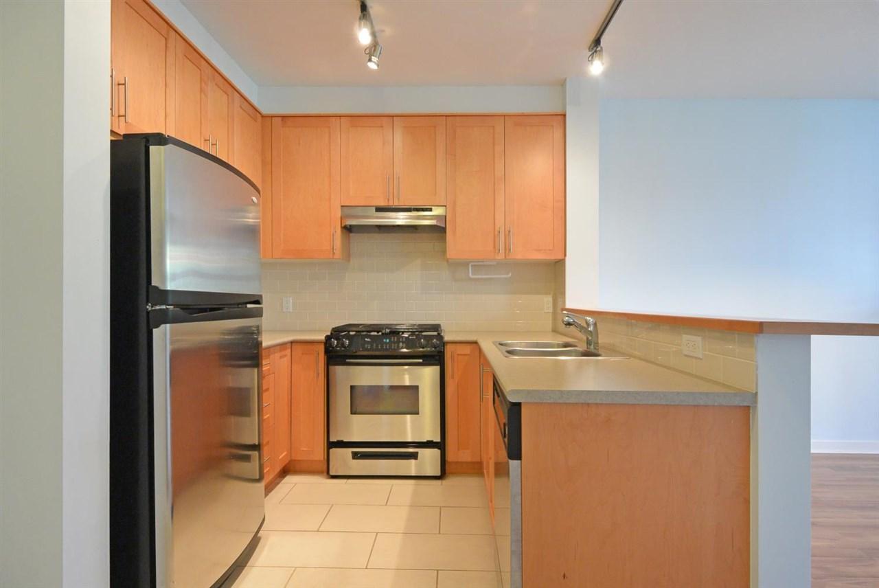 Condo Apartment at 104 4883 MACLURE MEWS, Unit 104, Vancouver West, British Columbia. Image 8