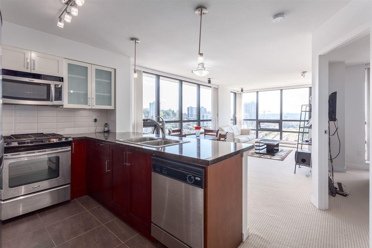 Condo Apartment at 1501 1 RENAISSANCE SQUARE, Unit 1501, New Westminster, British Columbia. Image 4