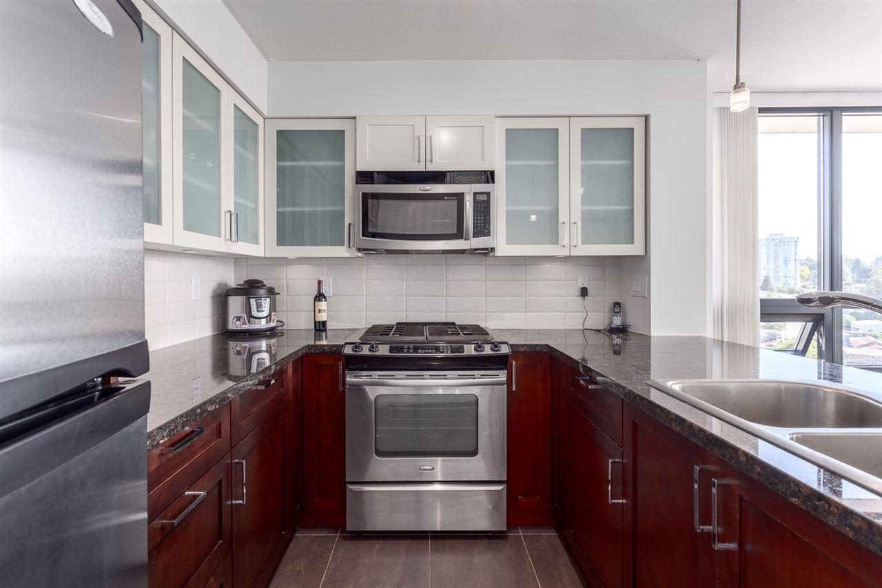 Condo Apartment at 1501 1 RENAISSANCE SQUARE, Unit 1501, New Westminster, British Columbia. Image 5
