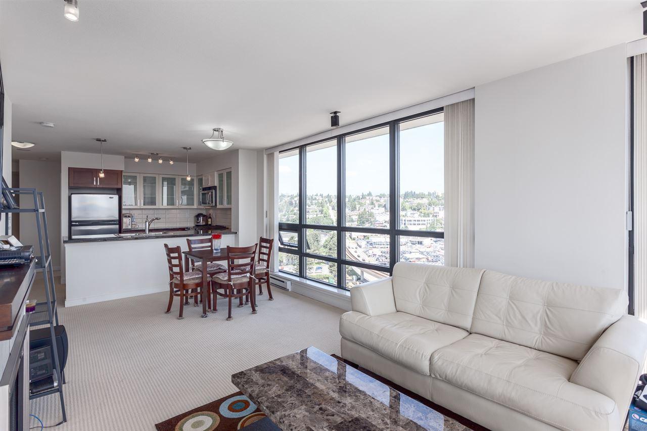 Condo Apartment at 1501 1 RENAISSANCE SQUARE, Unit 1501, New Westminster, British Columbia. Image 11