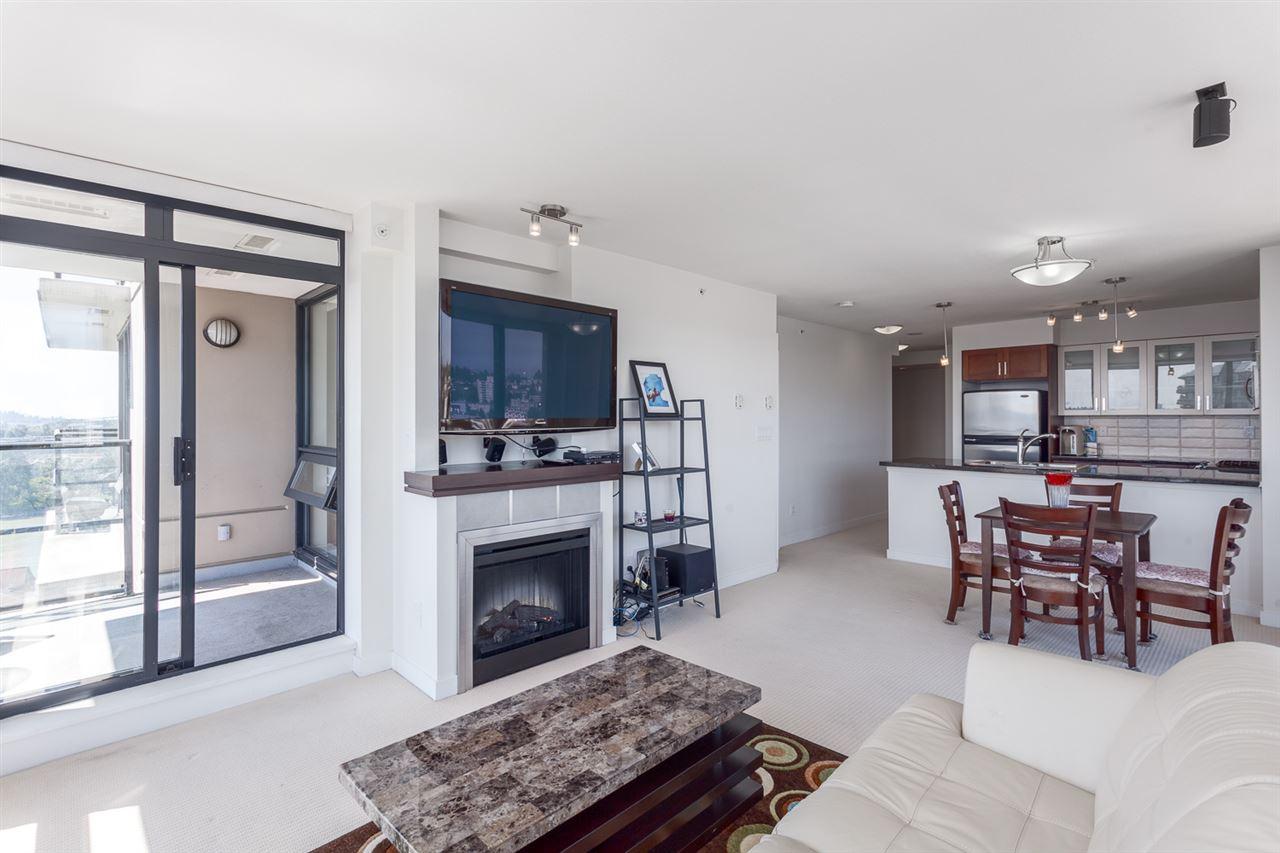 Condo Apartment at 1501 1 RENAISSANCE SQUARE, Unit 1501, New Westminster, British Columbia. Image 12