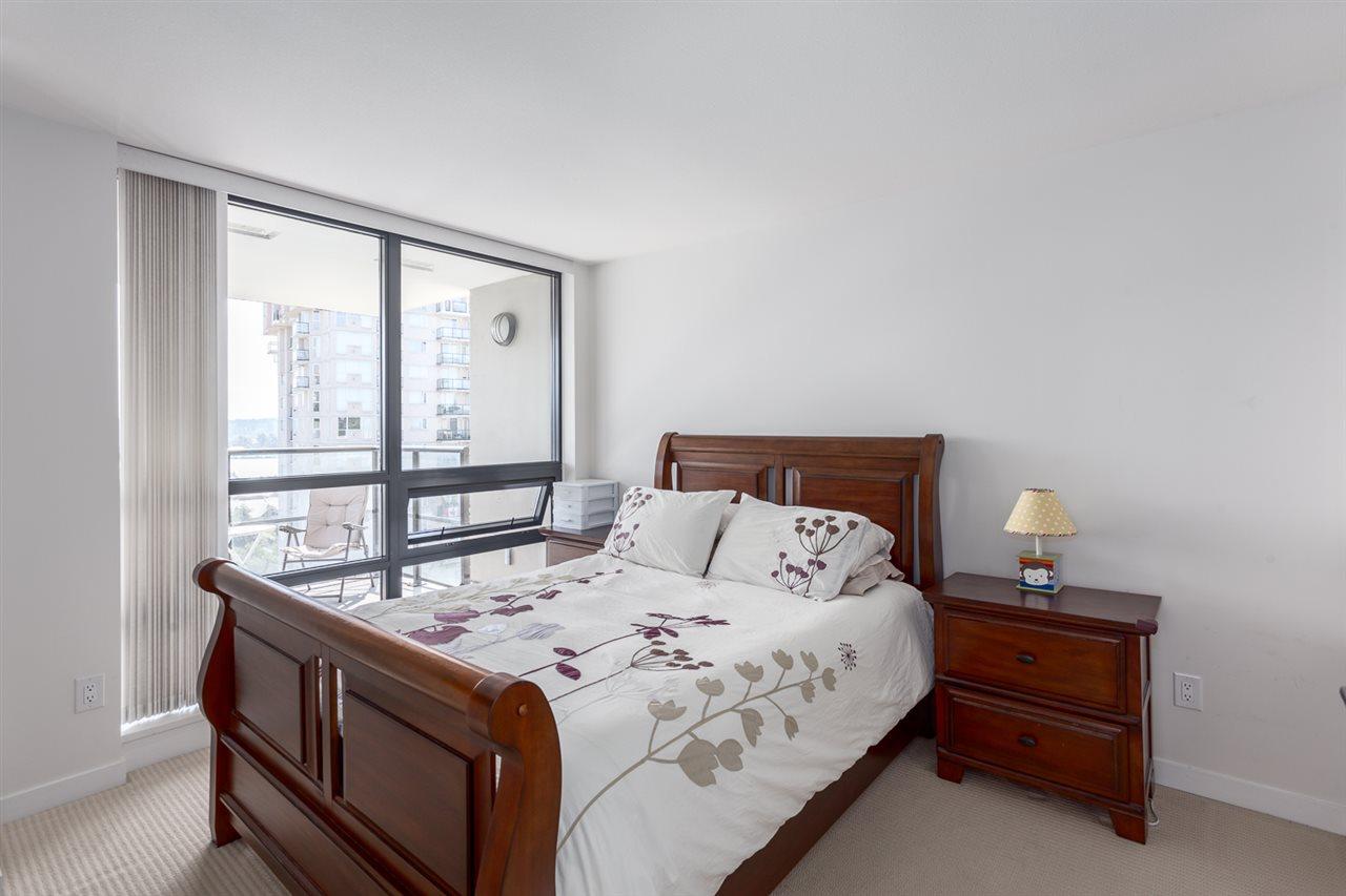 Condo Apartment at 1501 1 RENAISSANCE SQUARE, Unit 1501, New Westminster, British Columbia. Image 13