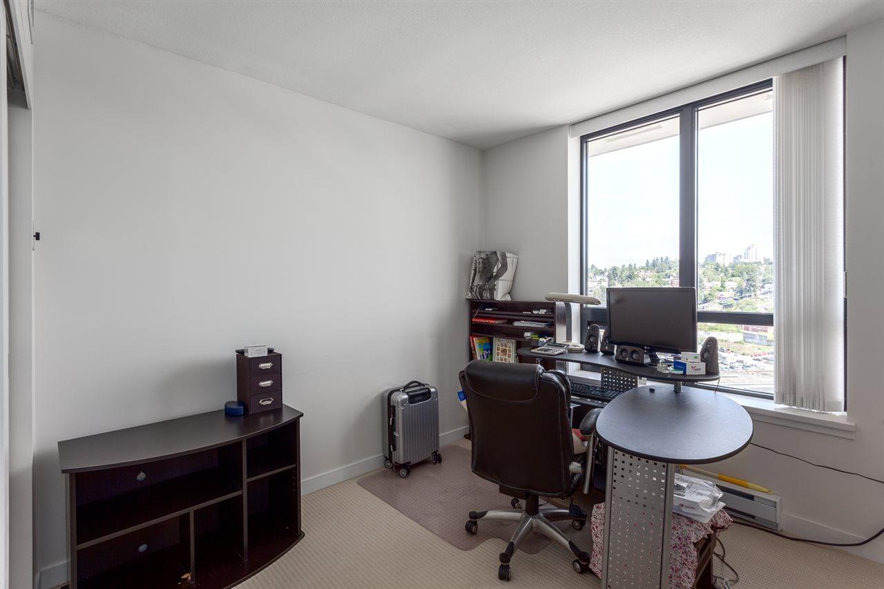 Condo Apartment at 1501 1 RENAISSANCE SQUARE, Unit 1501, New Westminster, British Columbia. Image 17