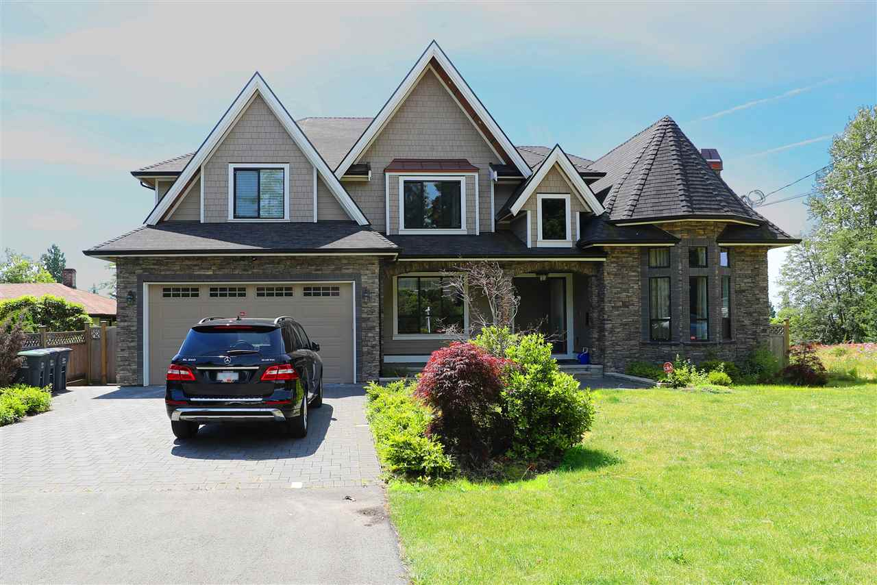 Detached at 13528 15 AVENUE, South Surrey White Rock, British Columbia. Image 1