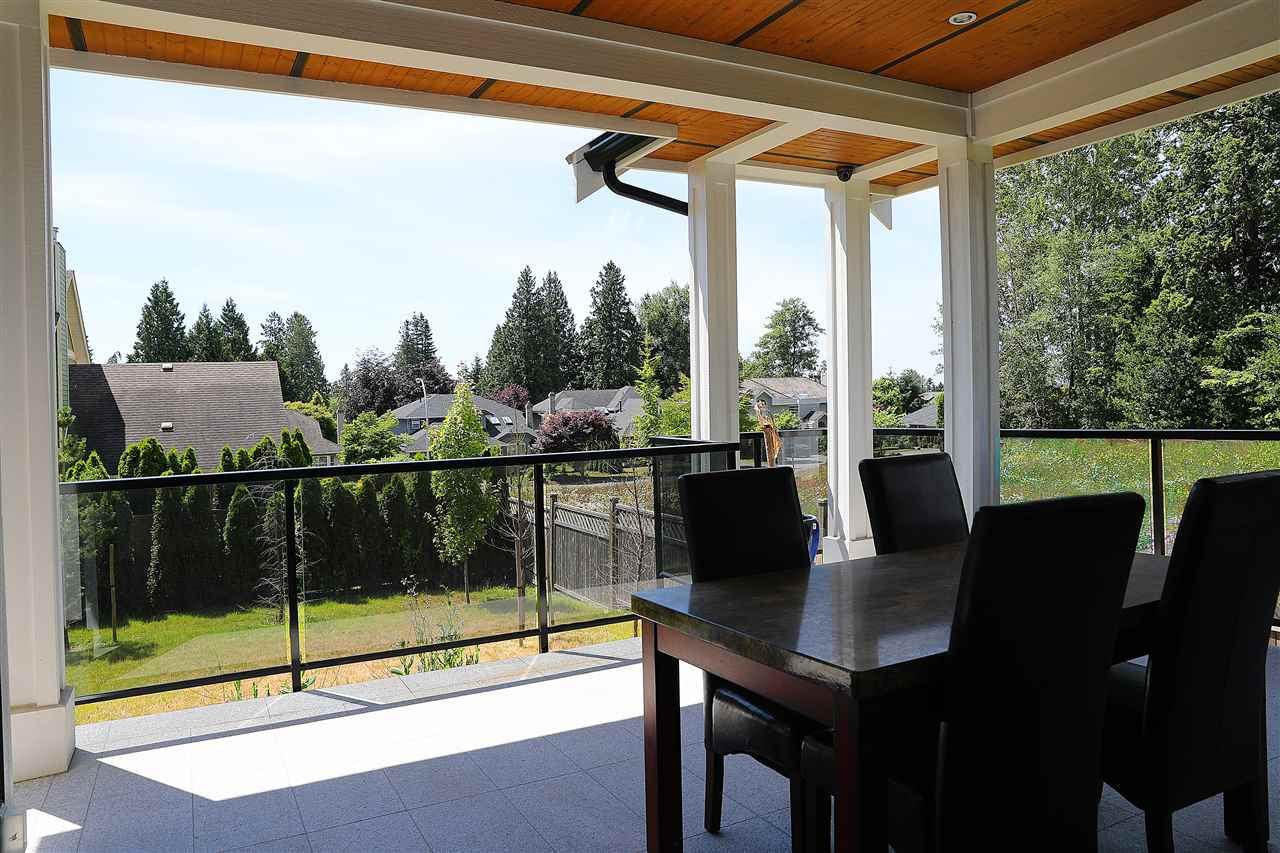 Detached at 13528 15 AVENUE, South Surrey White Rock, British Columbia. Image 18