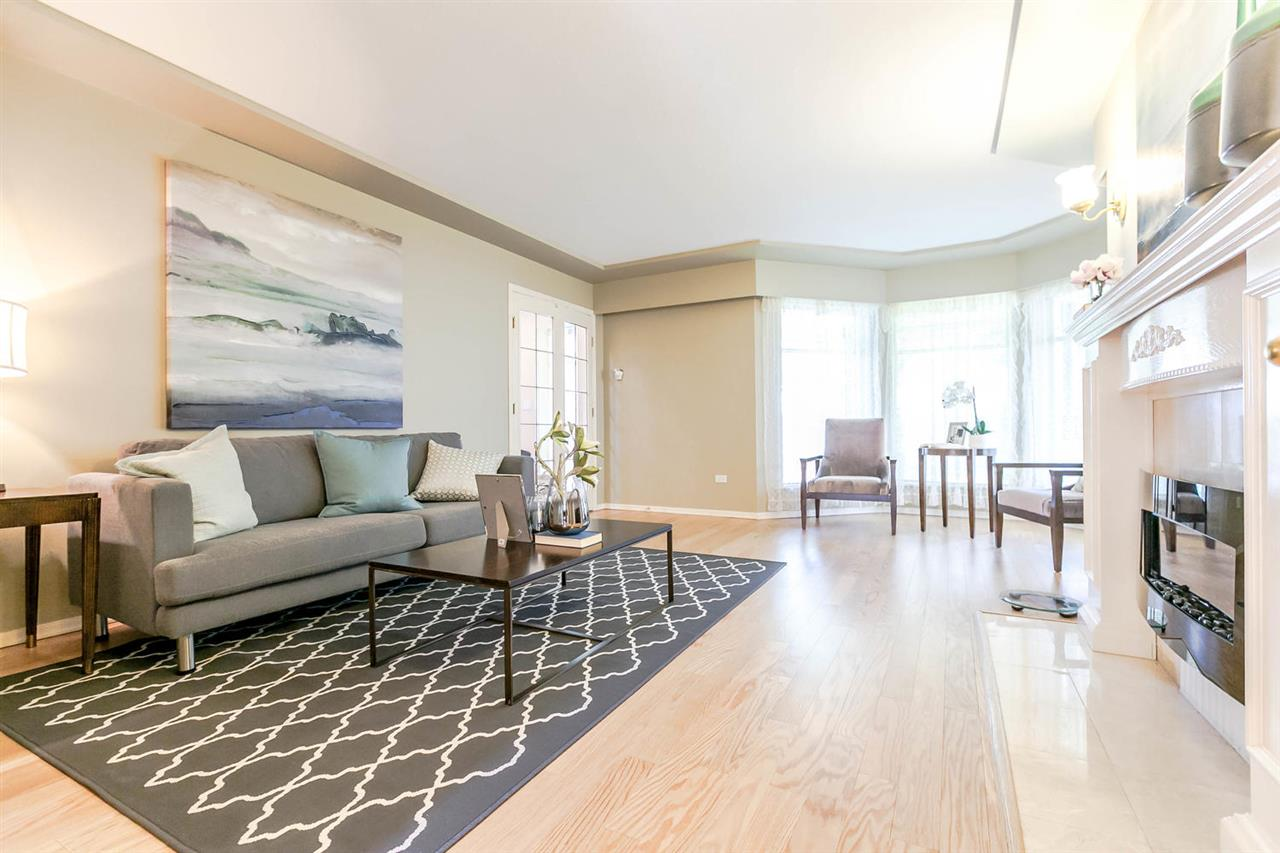 Detached at 13052 19A AVENUE, South Surrey White Rock, British Columbia. Image 4